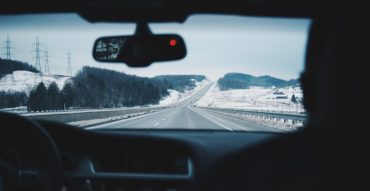 driving-916405_960_720